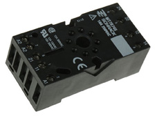 Socket 8 pole for MT Relays with 2 C/O